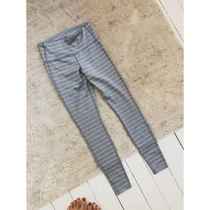 Athleta Pants - LIKE NEW ➴ ATHLETA STRIPED LEGGINGS